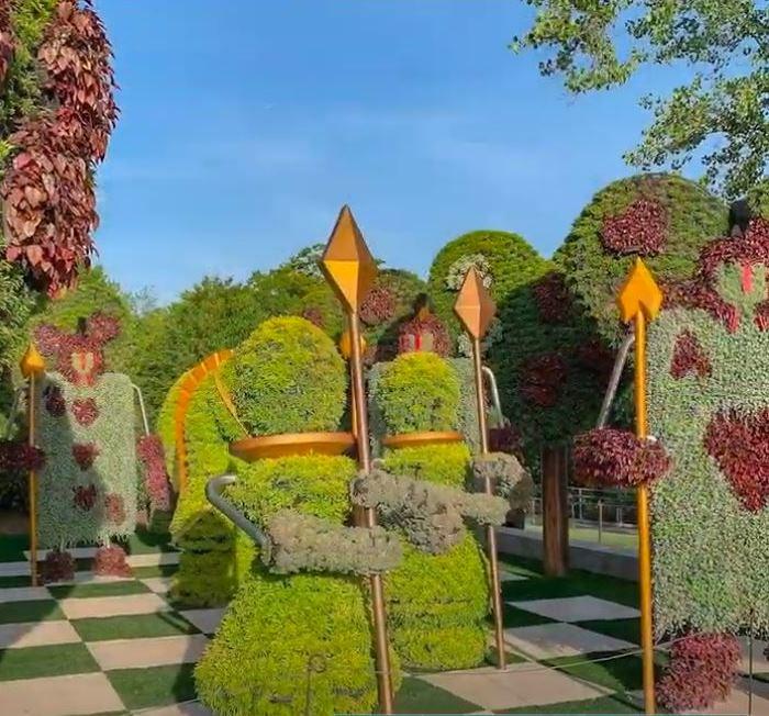Alice's Wonderland, Whimsical Chess Topiary Atlanta Botanical Garden