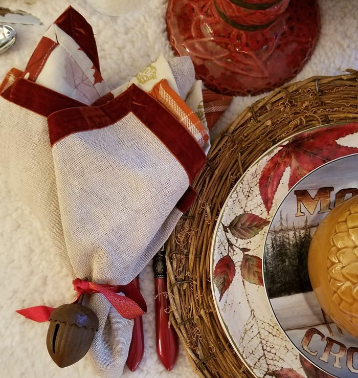 Acorn and Ribbon Napkin Rings, Red Flatware, Red Velvet Edged Napkins