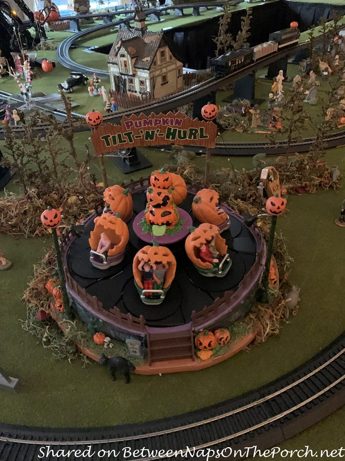 Pumpkin Tilt-N-Hurl Halloween Ride, Model Train Village