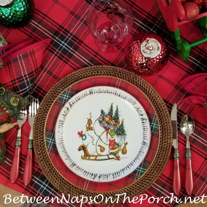 Grinch Tablescape in Tartan, Grinch Plates