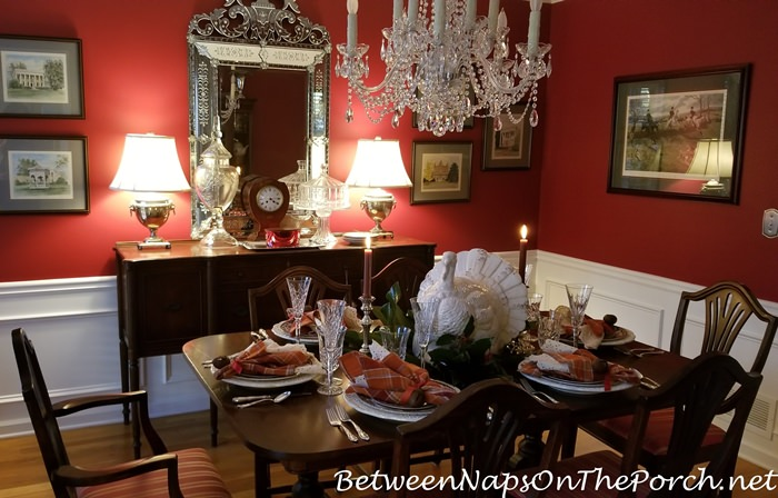 Thanksgiving Dining, Red Dining Room