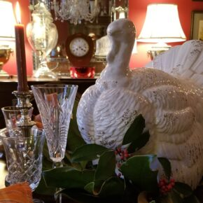 Thanksgiving Table Setting, Magnolia Tukey Centerpiece