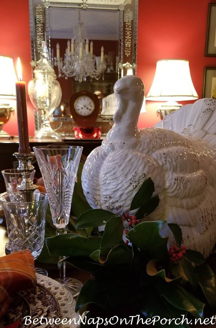 Thanksgiving Table Setting, Magnolia Tukey Centerpiece