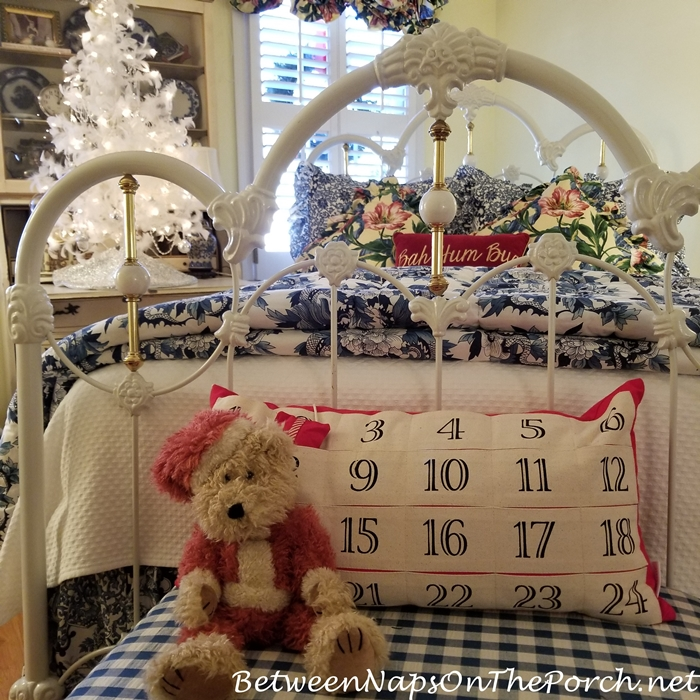 Advent Calendar Pillow, Guest Room