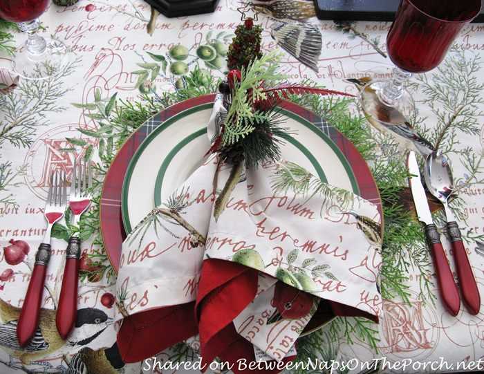 Beautiful Plaid Chargers for Christmas Table Setting