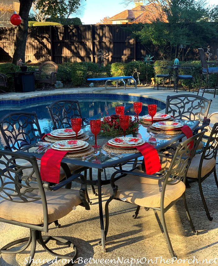 Christmas Dining Poolside