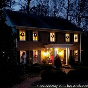 Decorate Outside Windows with Wreaths for Christmas