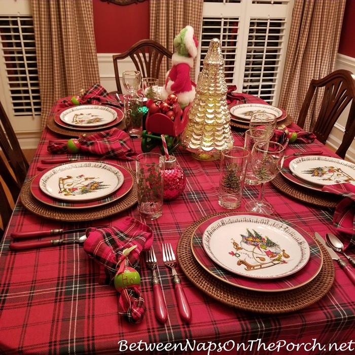 Ho, Ho Napkin Rings, Plaid Tablecloth