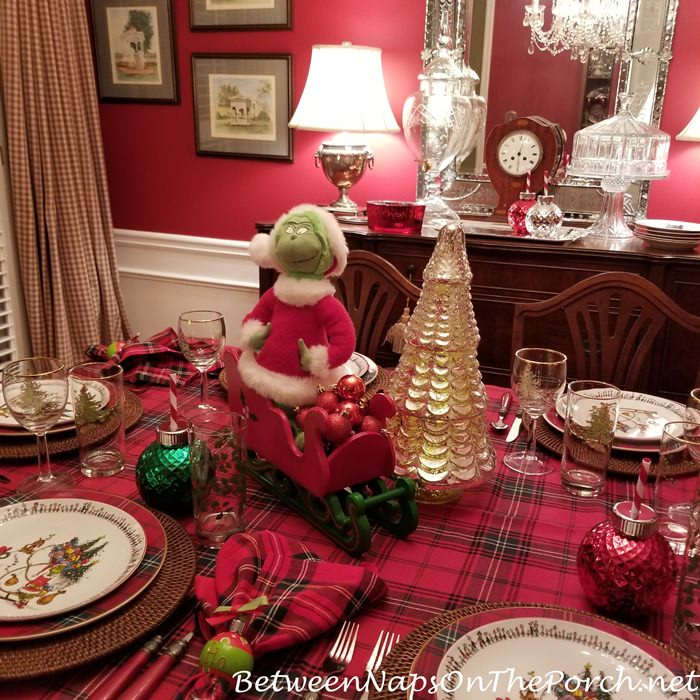 How the Grinch Stole Christmas Centerpiece, Grinch in Sleigh