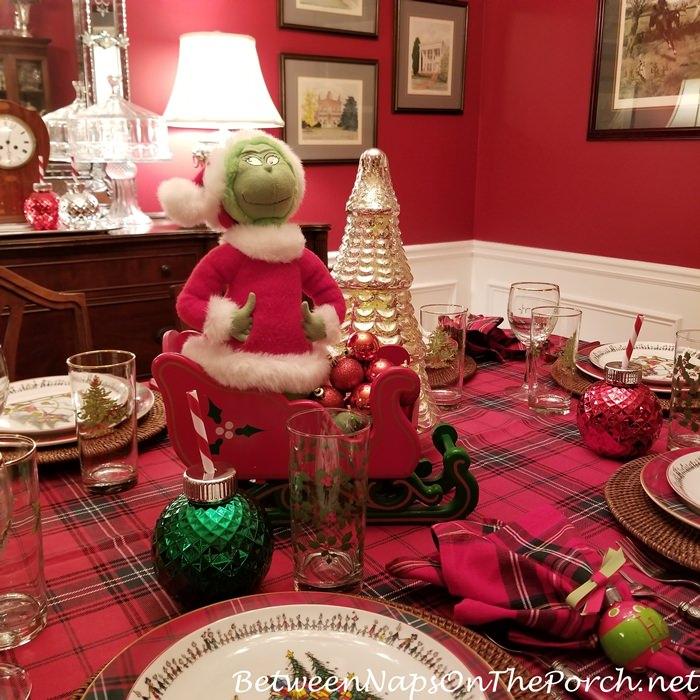 Ornament Shaped Glasses for Christmas Table, Ho Ho Napkin Rings