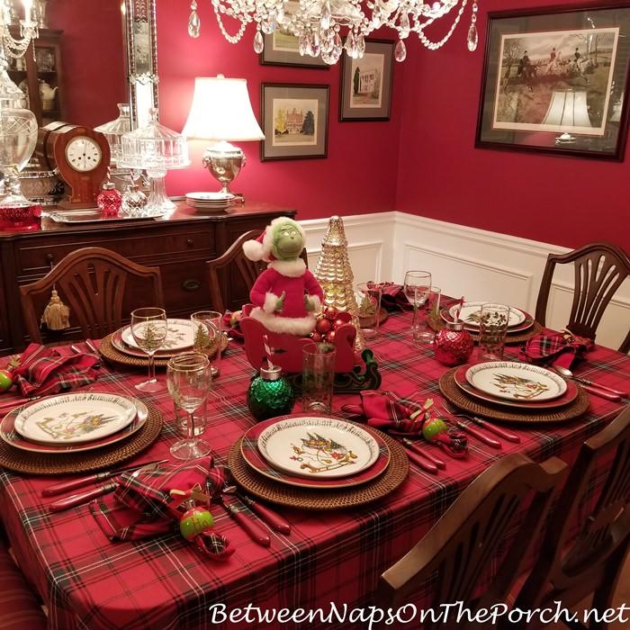 Plaid Tablecloth for Christmas, Grinch Table Setting