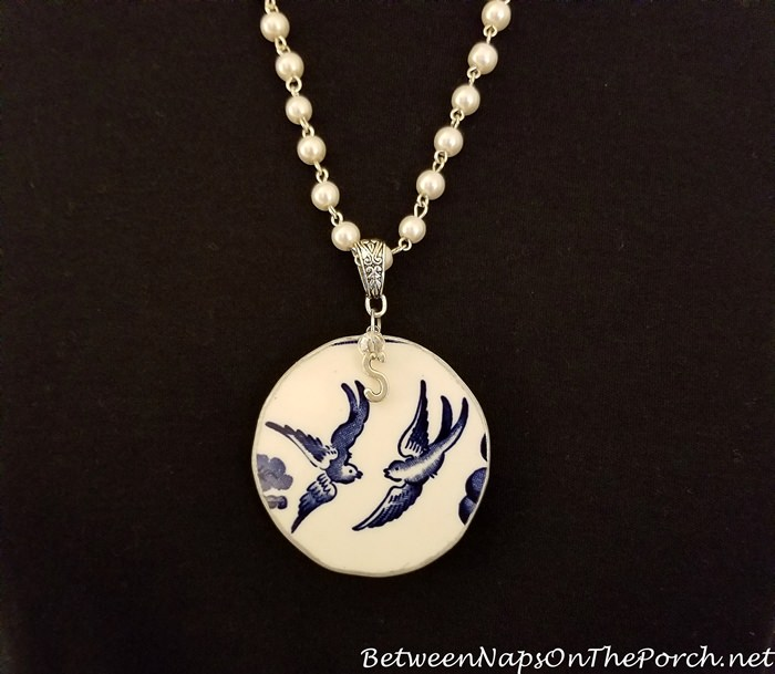 Necklace made from Blue Willow China