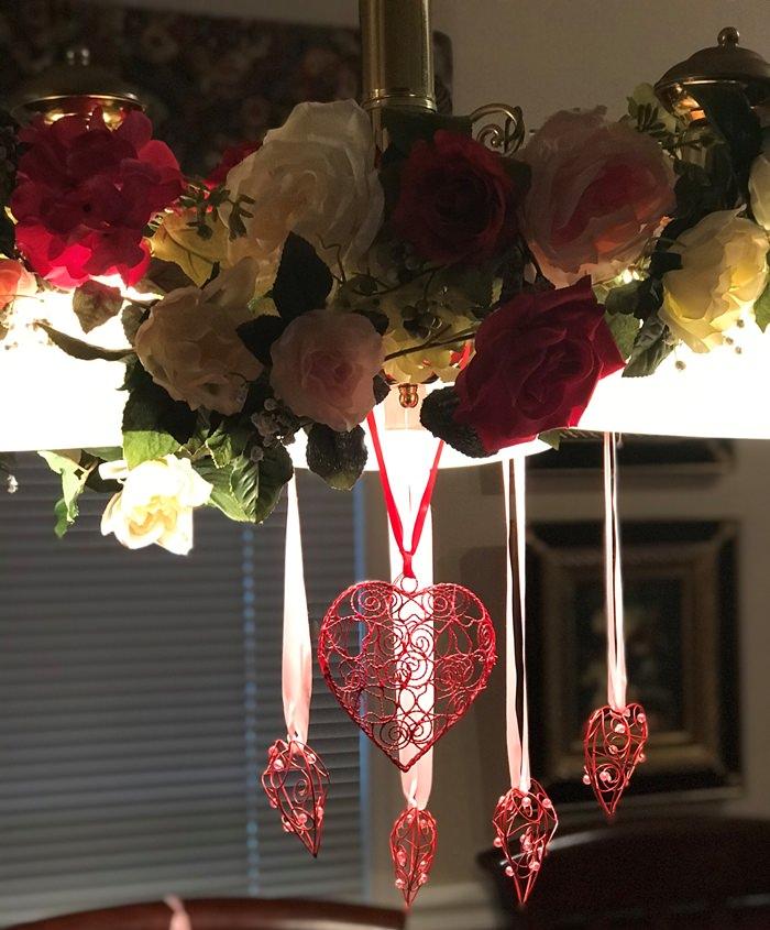 Valentine's Day Chandelier Decoration Ideas