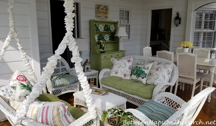 Spring Screened Porch, Decorate for St. Patrick's Day