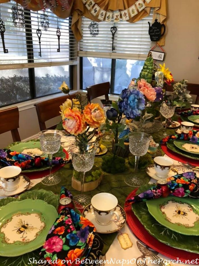 Alice in Wonderland Birthday Party with Talking Flowers
