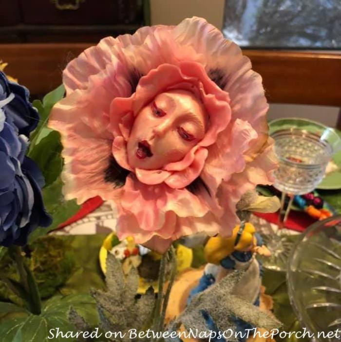 Alice in Wonderland Talking Flower, Singing Poppy