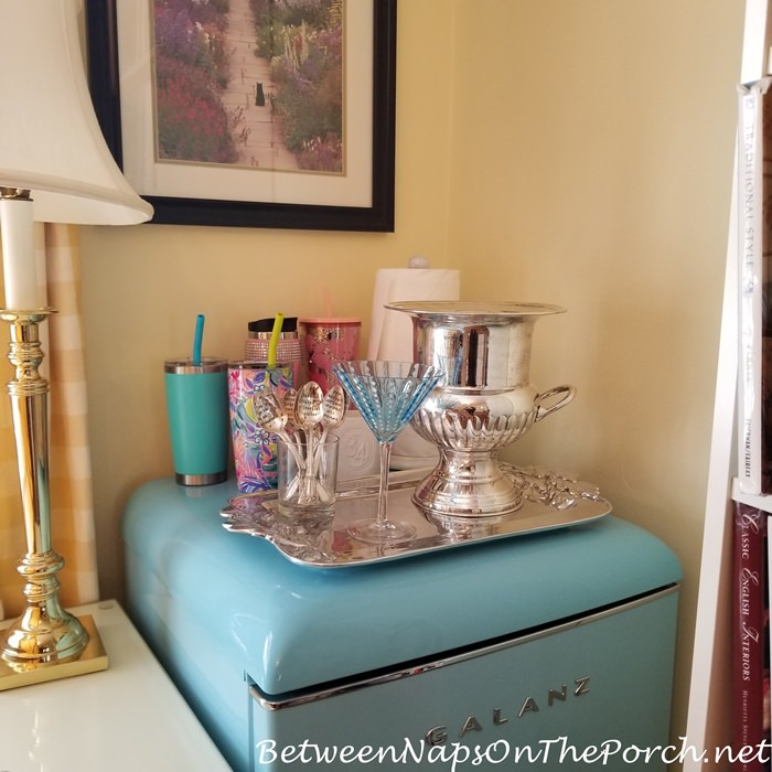 Set up a mini drink station for home office