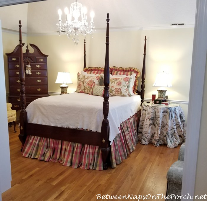 Changing Bedding from Fall-Winter to Spring-Summer