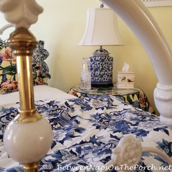 Decorating in Blue and White, Guest Room
