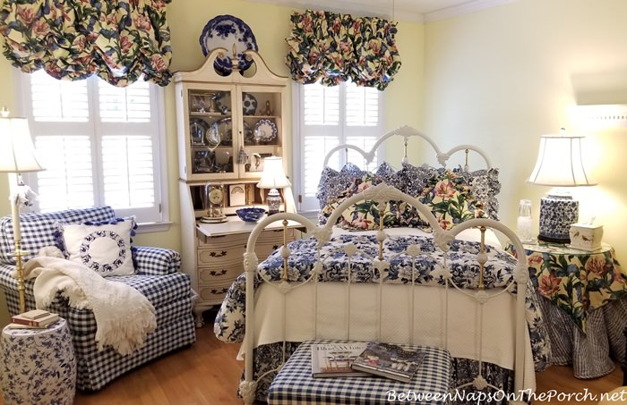 Guest Room in Blue and White