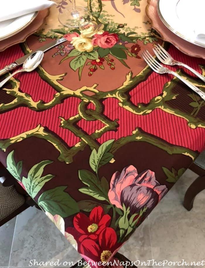 Igor Cardinal Tablecloth by Beauville