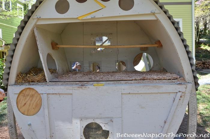 Chicken Coop build in arch shape