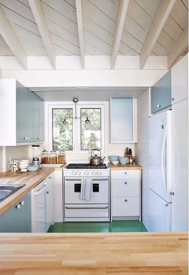 Sarah Richardson's Renovated Cottage Kitchen on Georgia Bay