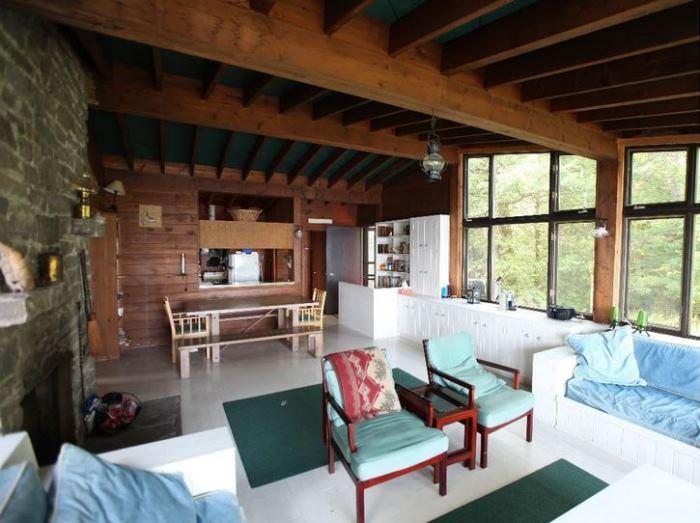 Sarah Richardson's Rental Cottage Prior to Makeover