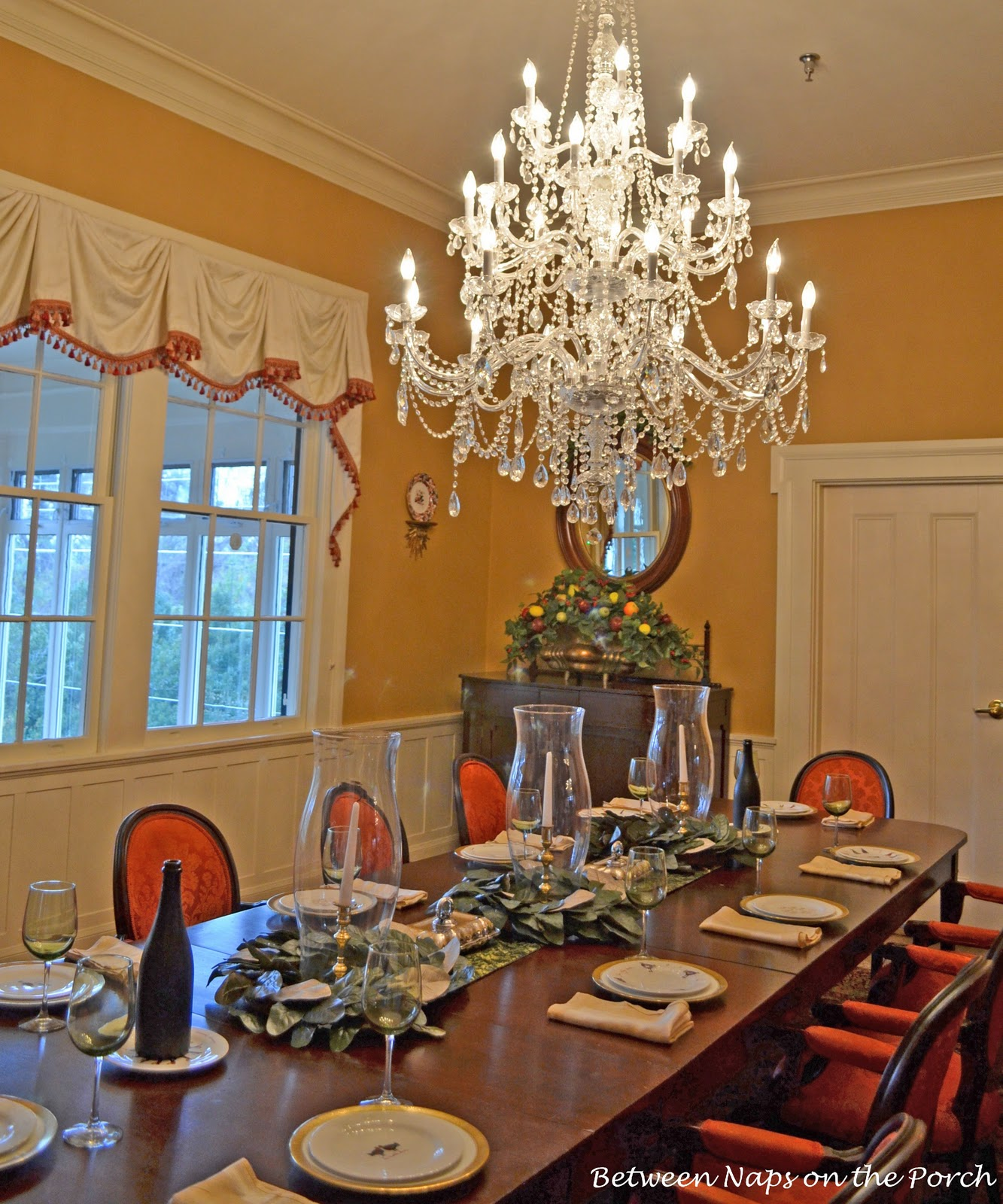 Dining Room Tablescapes: Christmas Tablescape In Historic Brumby Hall