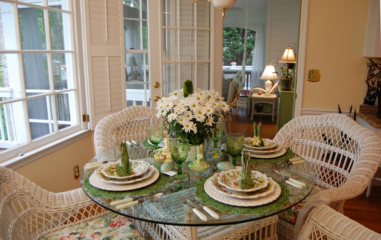 Table Decorations: Easter Table Setting Tablescape With Floral Centerpiece
