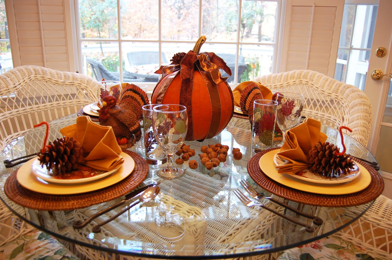Thanksgiving tablescape for the kids Cheap thanksgiving table setting ideas