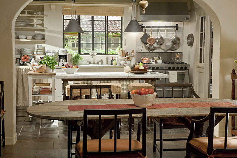 Tour The Spanish Style Home In The Movie It S Complicated