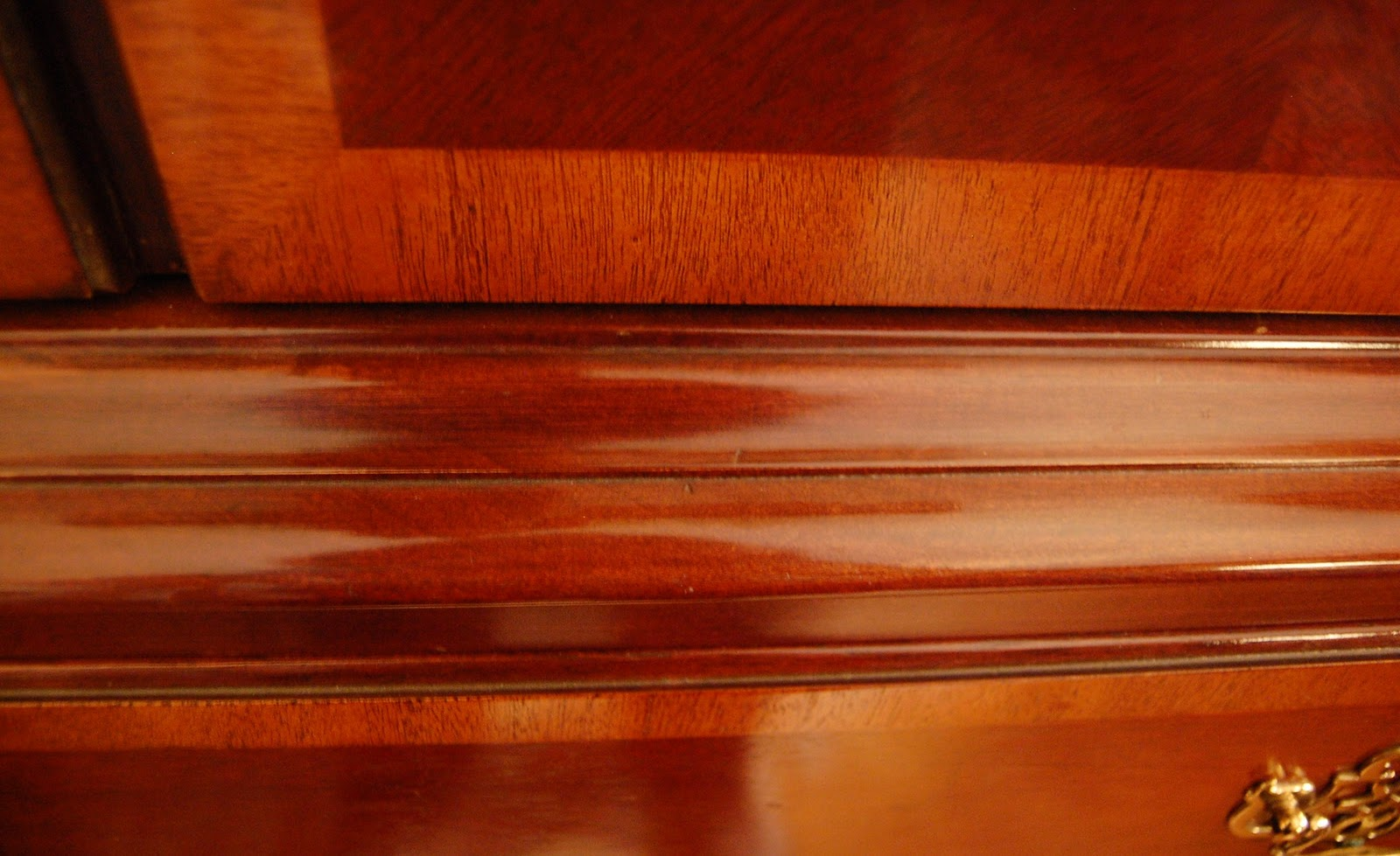 Mahogany Wood Color ~ Hiding ugly scratches on furniture