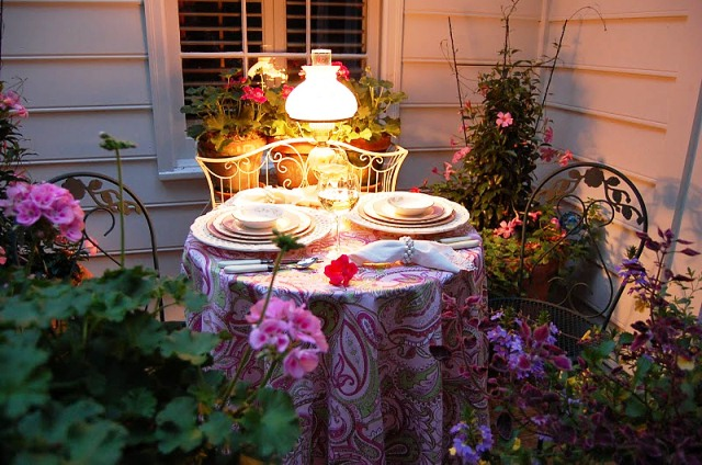 Dining Outdoors Spring And Summer Table Settings