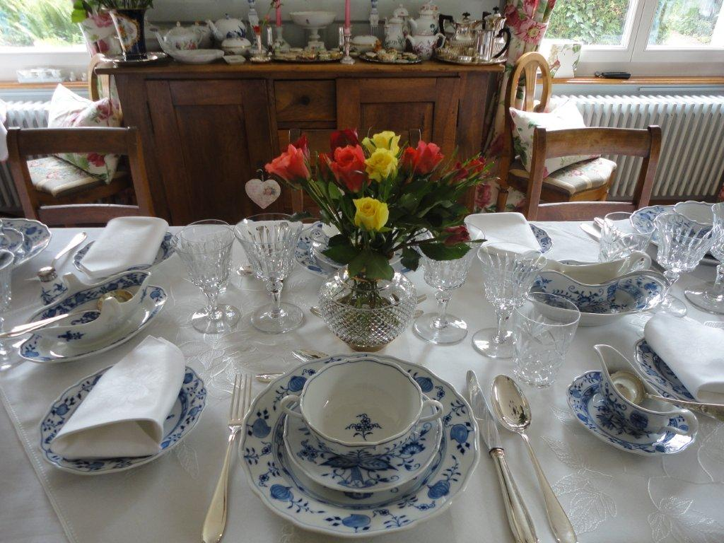 Blue Amp White Tablescape With Meissen Onion