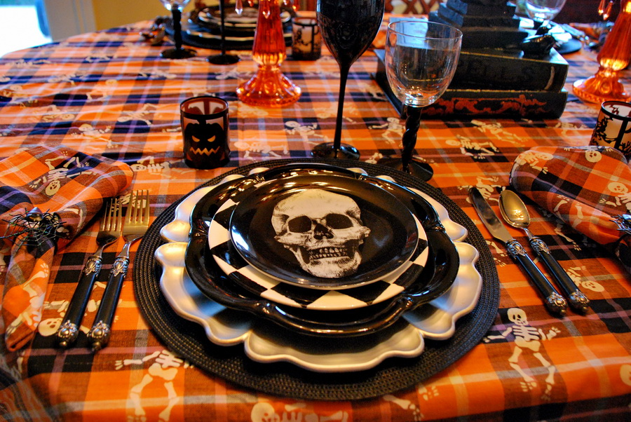 halloween table setting - Halloween Place Settings