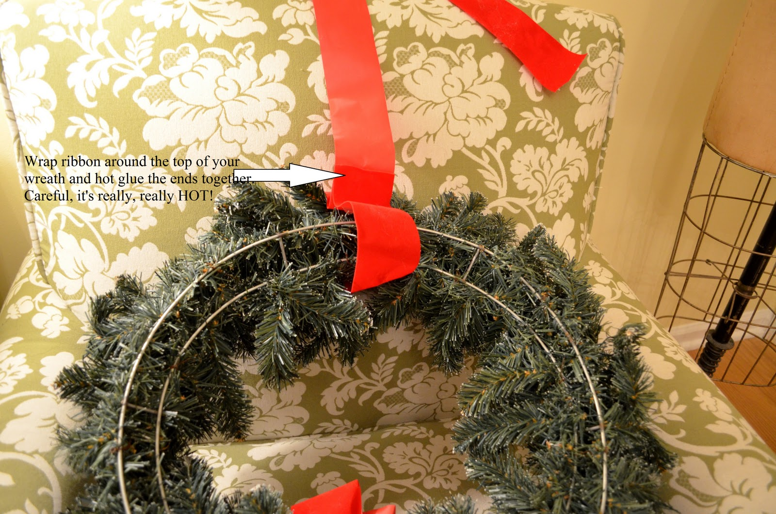 hang wreaths on exterior windows - Lighted Outdoor Christmas Wreaths