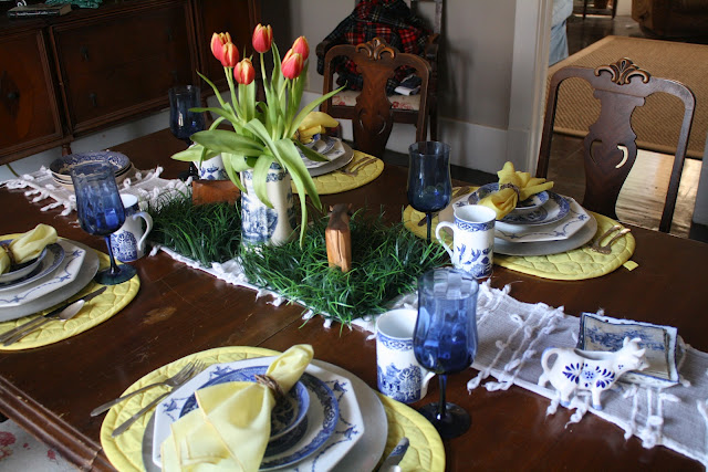 A beautiful Blue Willow tablescapeu2026A Big Story. A Pastel Table Setting ... & Table Settings