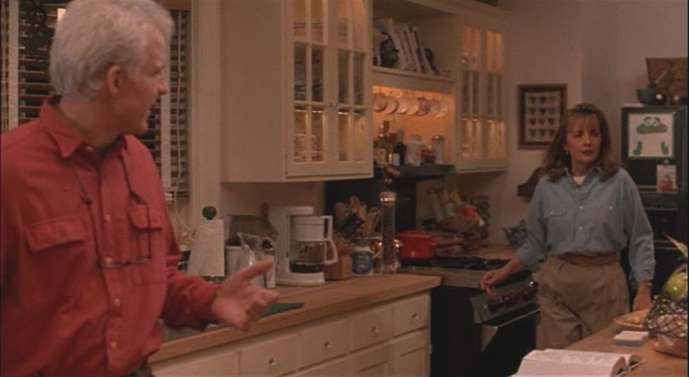 Tour the home in the movie father of the bride for Bride kitchen queen set