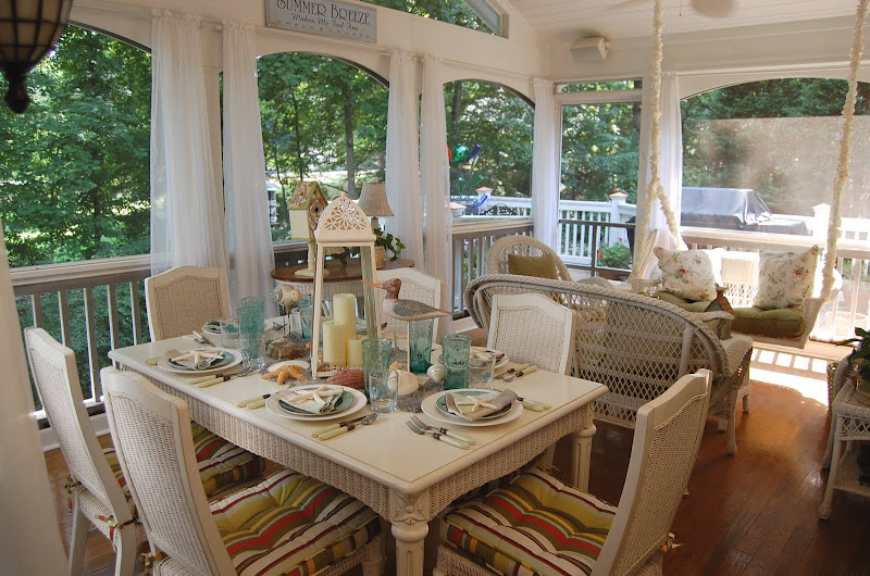Beach Themed Table Setting on the Porch