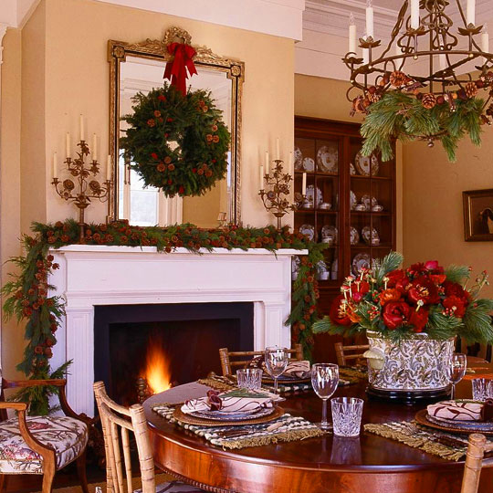 Decorate with wreaths inside - Pictures of homes decorated for christmas on the inside ...