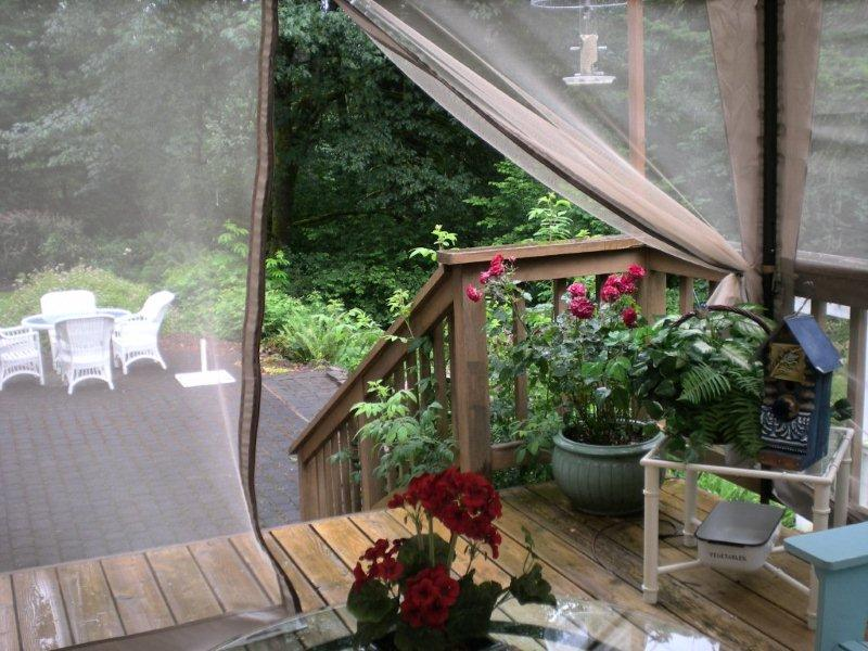 Amazingly this screened canopy was only $99 at Bi-Mart a warehouse discount store. So for a reasonable expense you get an instant screened-in porch. : screen tents for decks - memphite.com