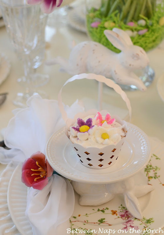 Make Marshmallow Flowers for Cupcakes