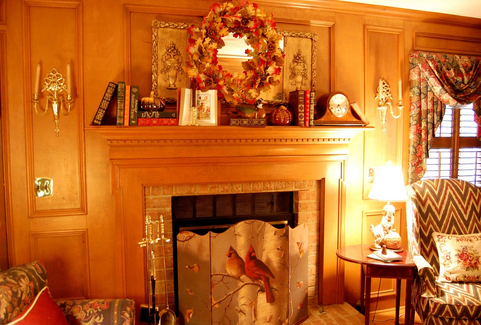 Decorate a fireplace mantel for fall or autumn with books for Ideas to decorate