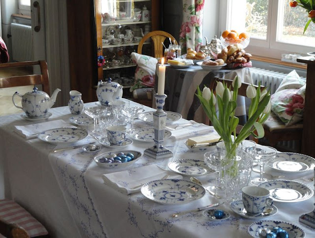 Easter Breakfast Table Setting