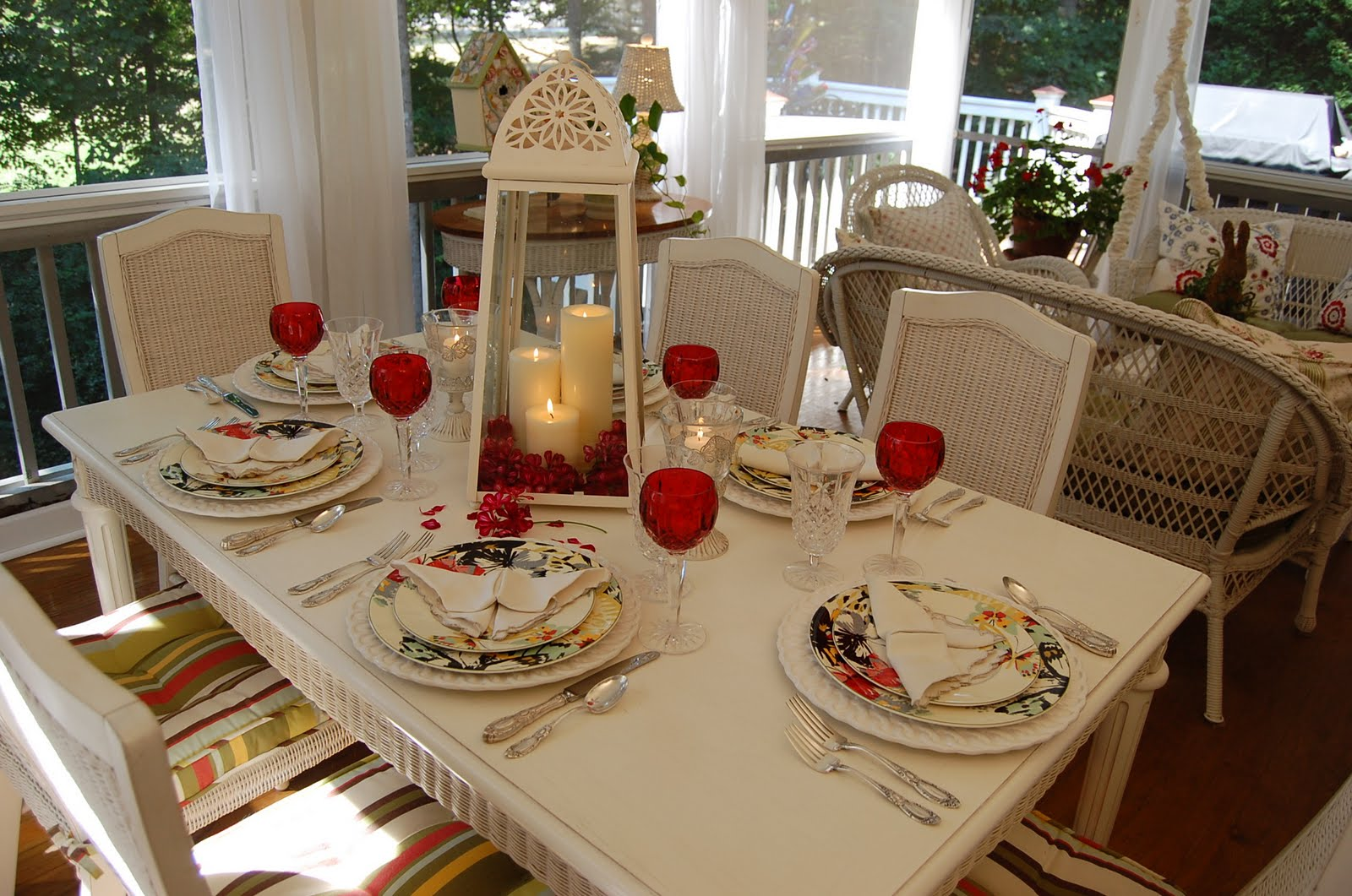 How to set a romantic dinner table for two - How To Set A Romantic Dinner Table For Two