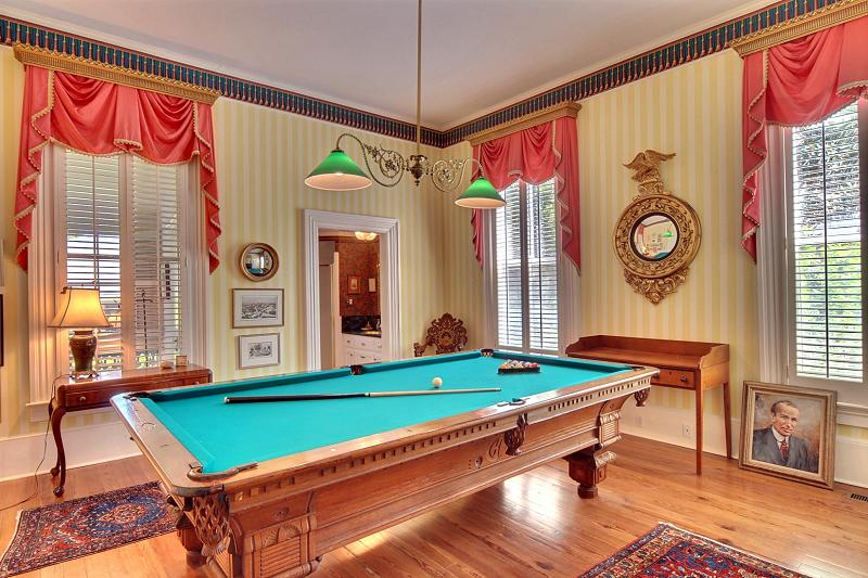 Historic Home Tour An 1880 Victorian Mansion Beautiful