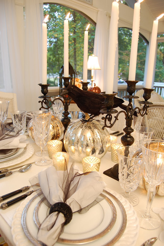 Halloween Table Setting Decorating