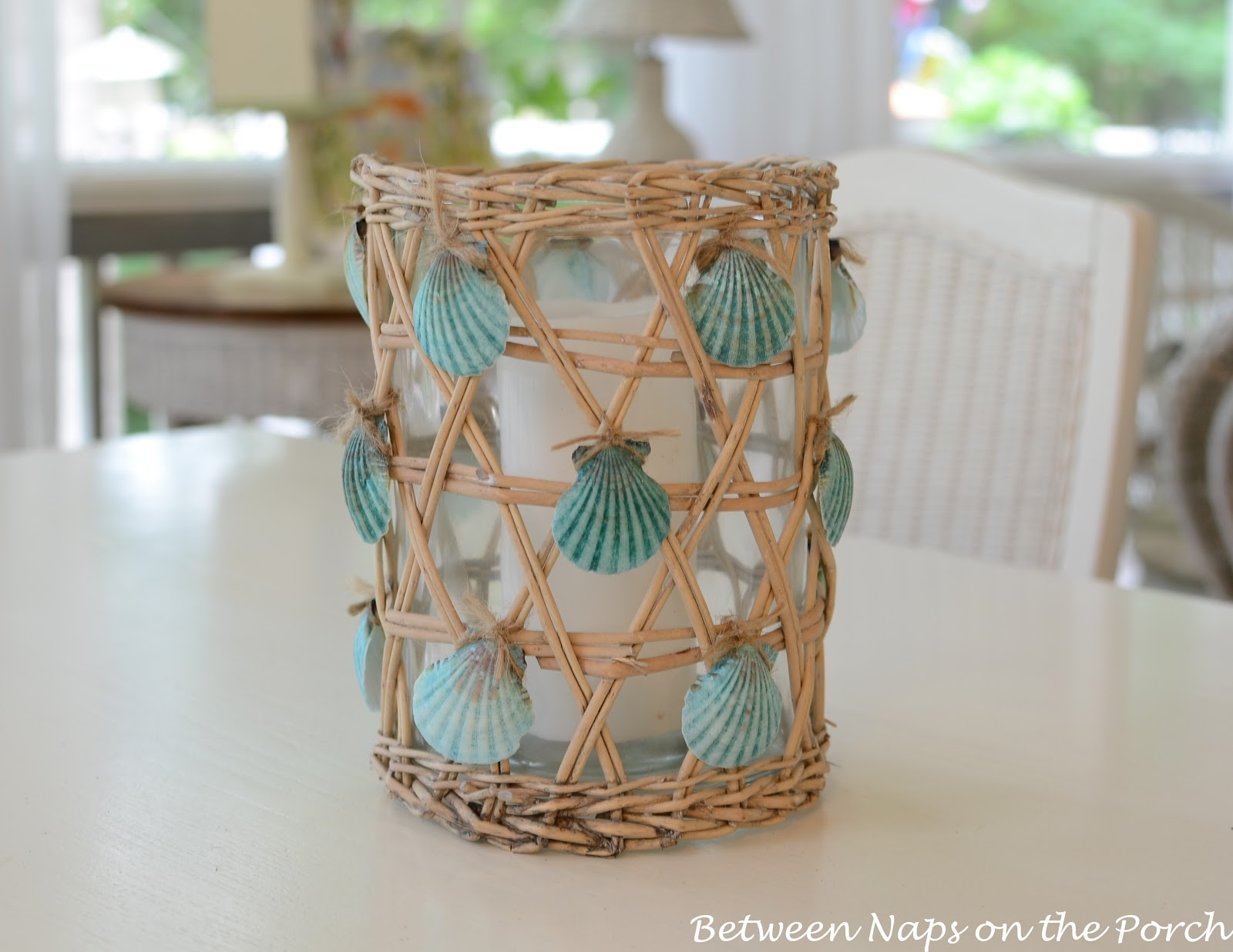 seashell craft for nautical beach house decorating. Black Bedroom Furniture Sets. Home Design Ideas