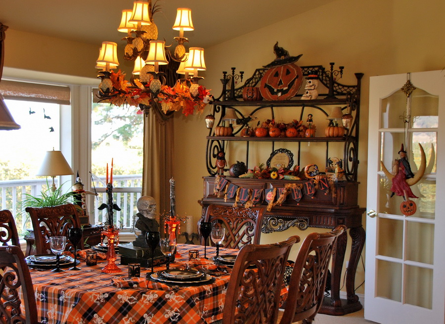Spooky Halloween Table And Halloween Mantel